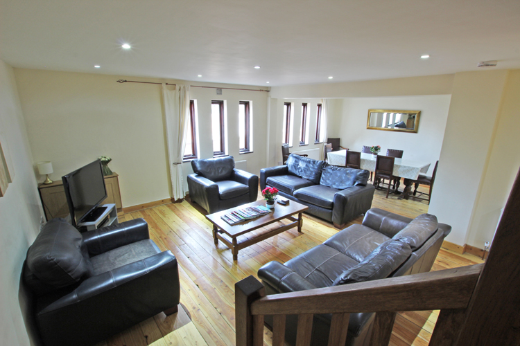 Holly Lodge Barn - Kent Holiday Cottages
